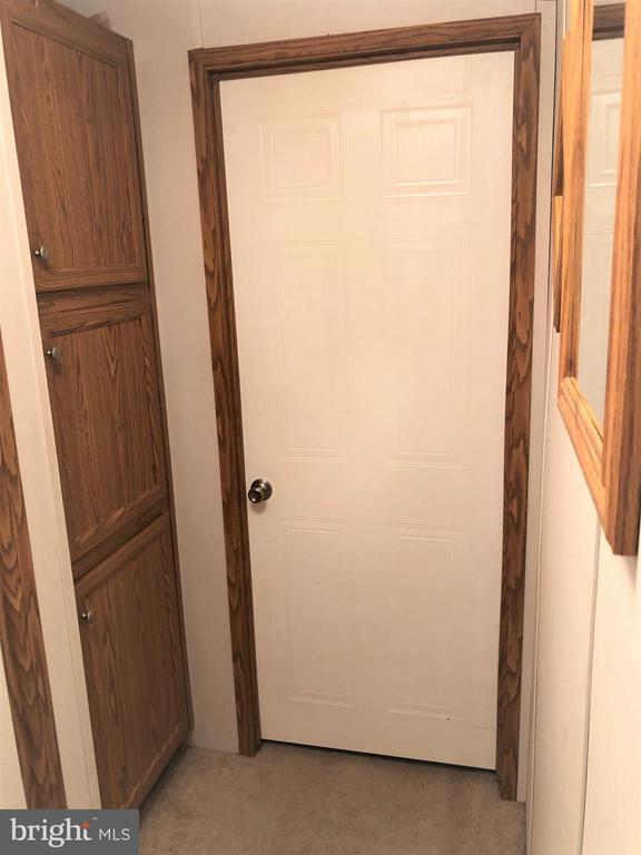 Linen Closet - 8601 TEMPLE HILLS RD #103, TEMPLE HILLS