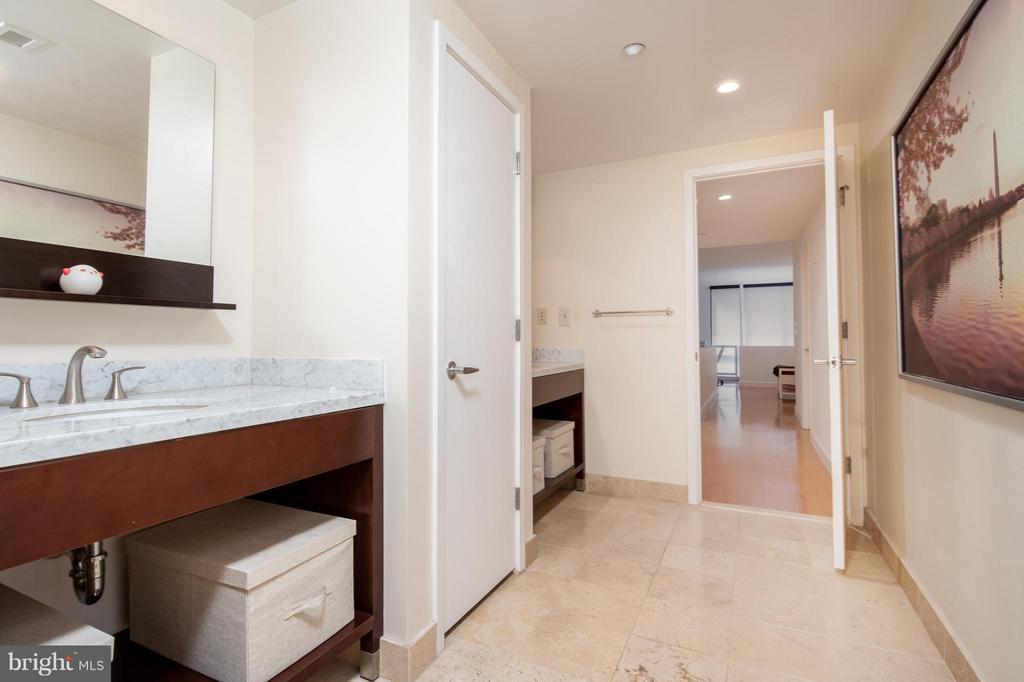Bathroom - 912 F ST NW #500, WASHINGTON
