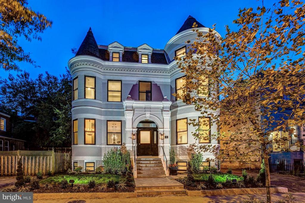 Unmatched Curb Appeal - 1810 15TH ST NW #SOUTH, WASHINGTON