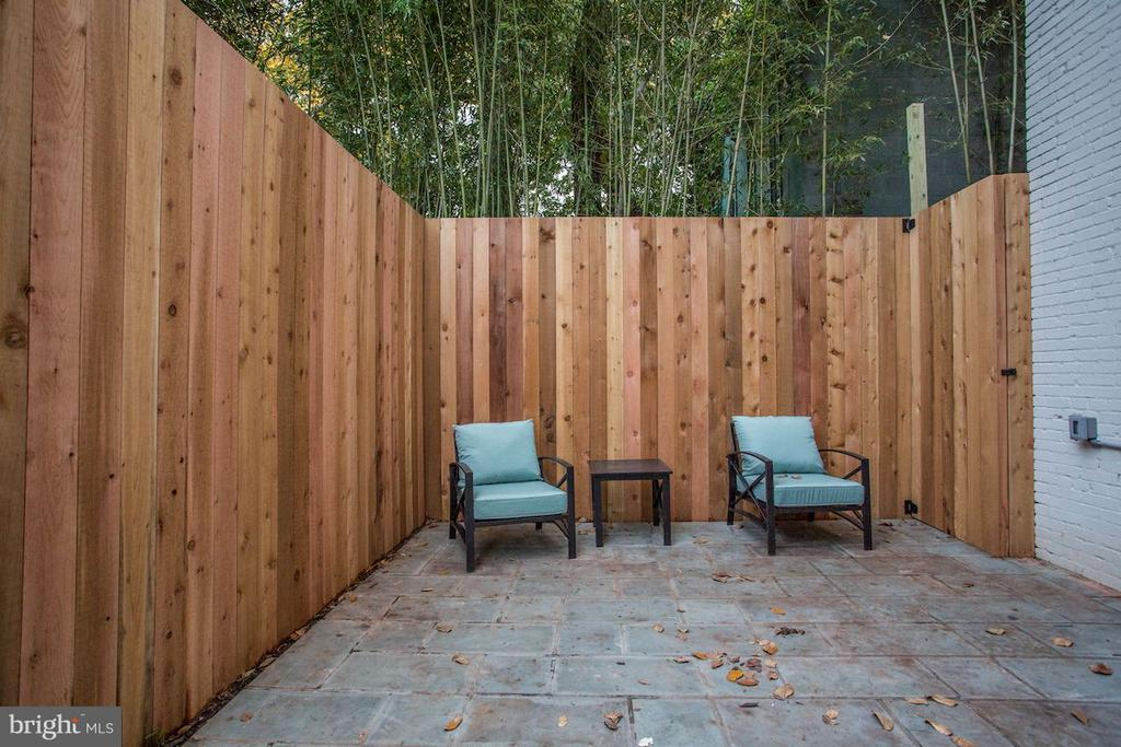 Private Patio - 1810 15TH ST NW #SOUTH, WASHINGTON