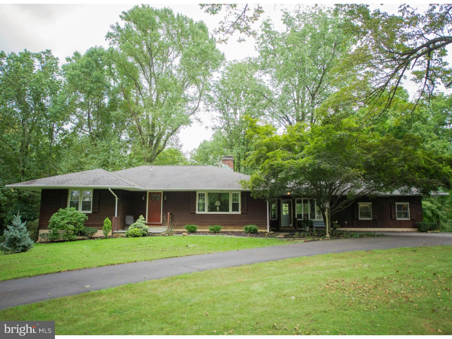 Single Family Home for Sale at 185 PLEASANT VALLEY Road Titusville, New Jersey 08560 United StatesMunicipality: Hopewell Township