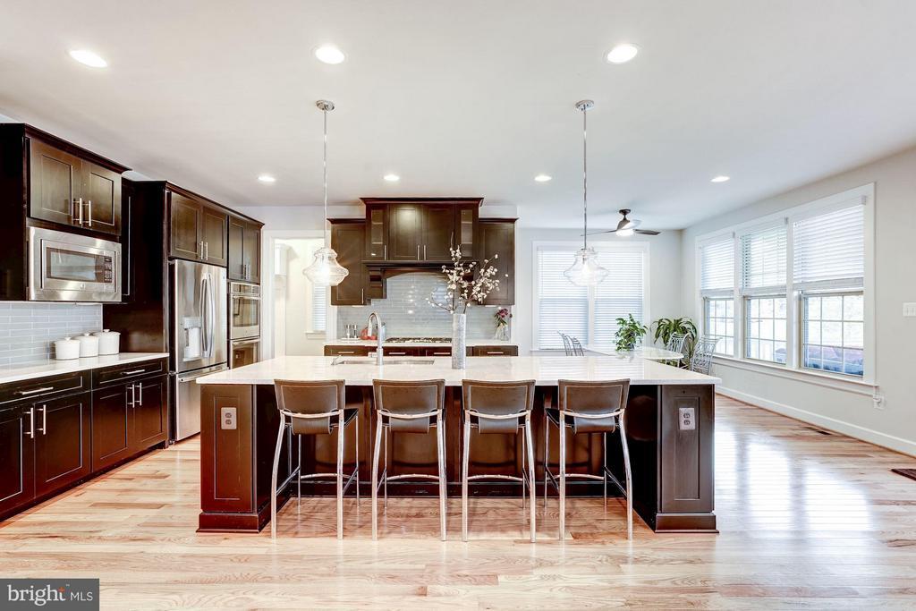 Gourmet Kitchen with Huge Island - 11463 CRANEBILL ST, FAIRFAX