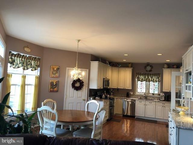 - 43238 CHASE ST, CHANTILLY
