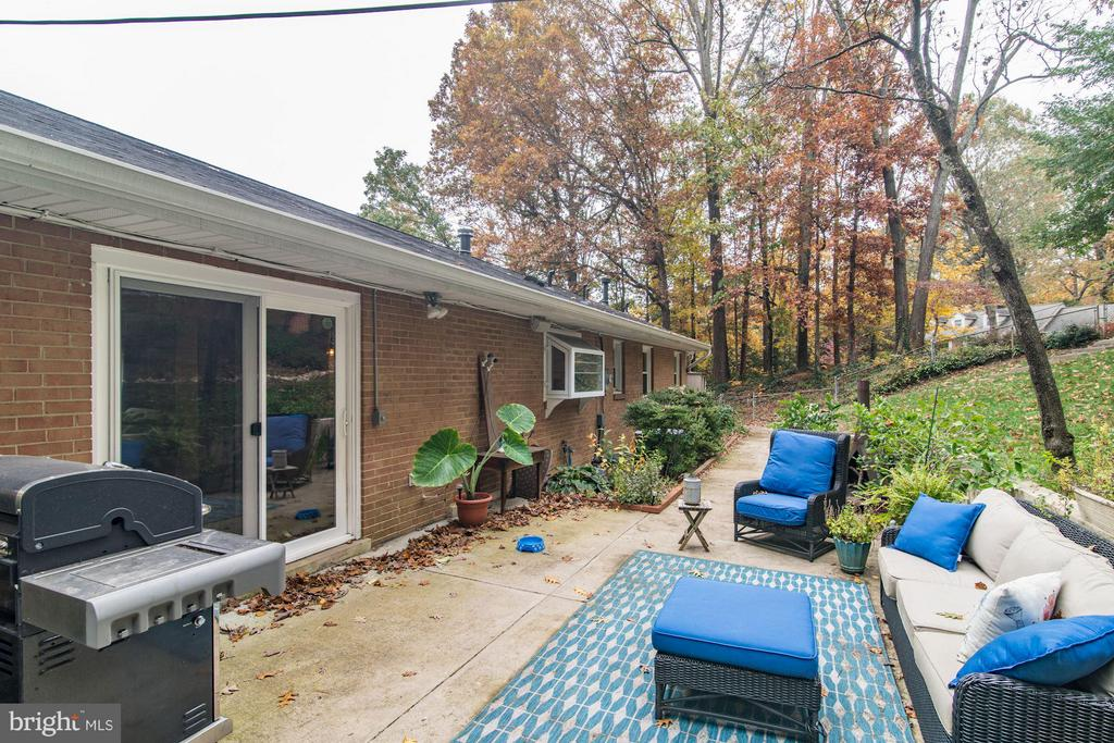 Exterior (Rear) - 6538 DEARBORN DR, FALLS CHURCH