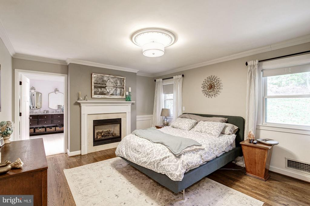 Bedroom (Master) - 6538 DEARBORN DR, FALLS CHURCH