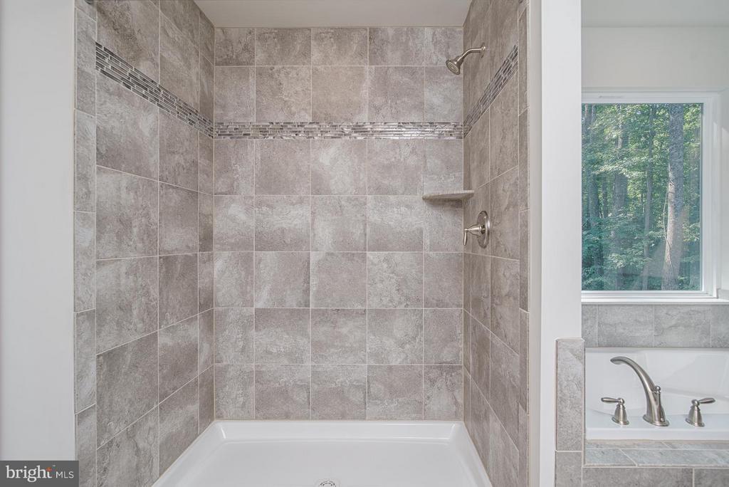 Bath (Master) - 12 ST JAMES CT, STAFFORD