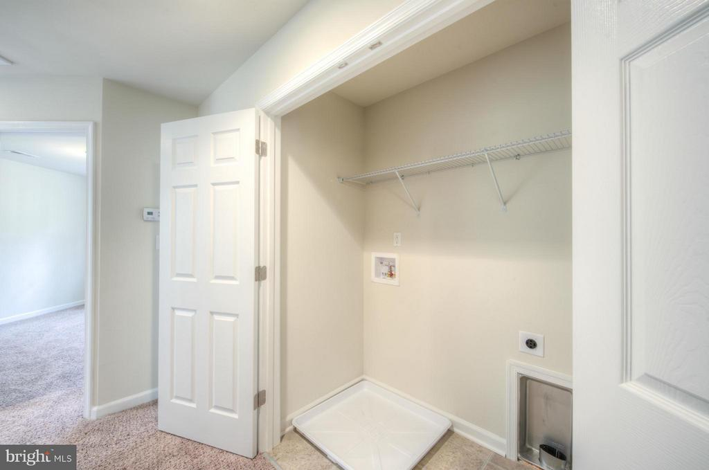 Upper Level laundry - provides convenience - 88 OLDE CONCORD RD, STAFFORD