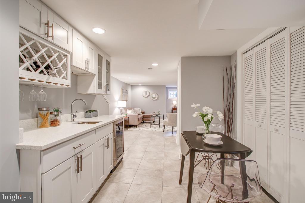 Kitchen (Lower level) - 948 WESTMINSTER ST NW, WASHINGTON
