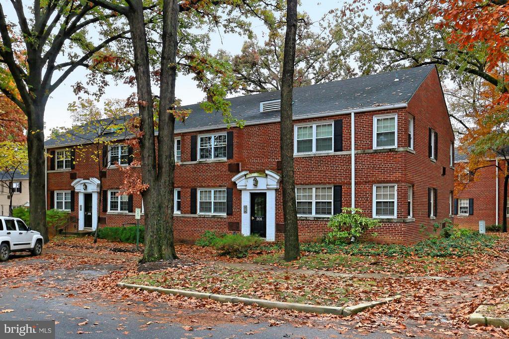 Arlington Homes for Sale -  Townhome,  208  TRENTON STREET  208-1