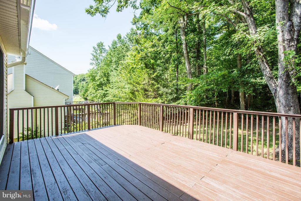 Private and wooded backyard - 3418 AQUIA DR, STAFFORD
