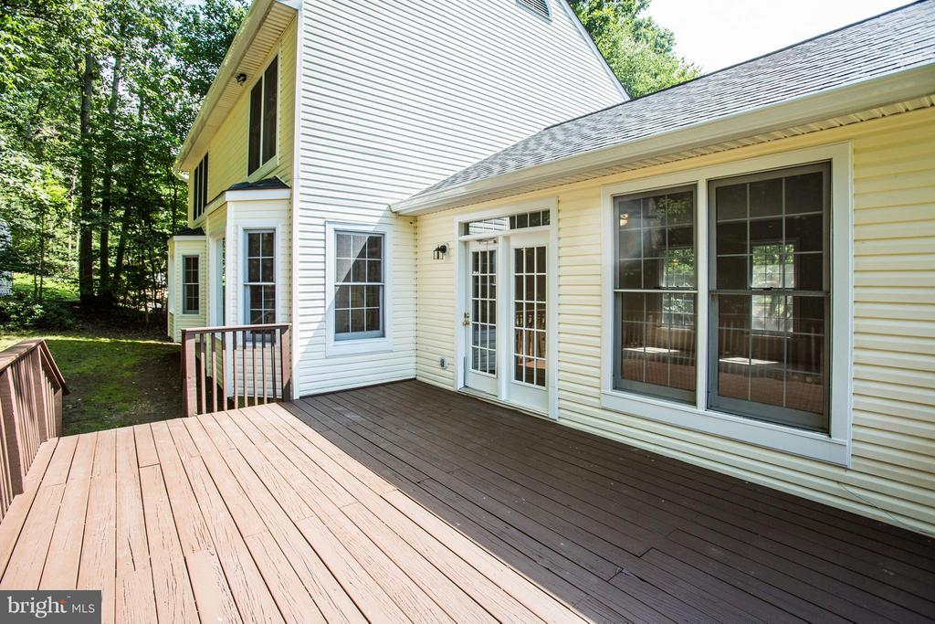 French doors leading to spacious deck - 3418 AQUIA DR, STAFFORD
