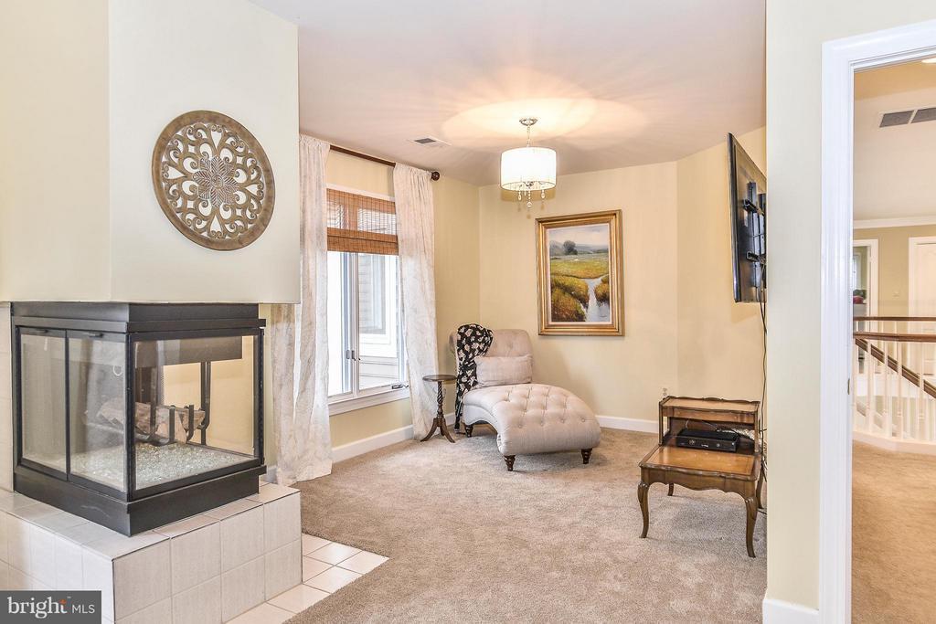 Sitting Room with Custom Lighting - 1309 STAMFORD WAY, RESTON