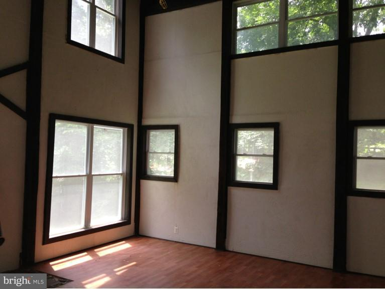 Studio, office, party room in Carriage House - 23590 SALLY MILL RD, MIDDLEBURG
