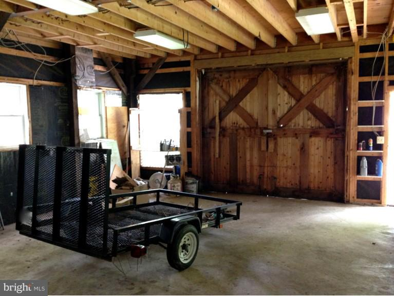 Carriage House Garage or storage - 23590 SALLY MILL RD, MIDDLEBURG