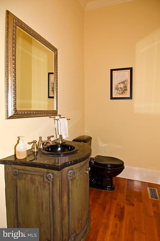Half Bath - 23590 SALLY MILL RD, MIDDLEBURG
