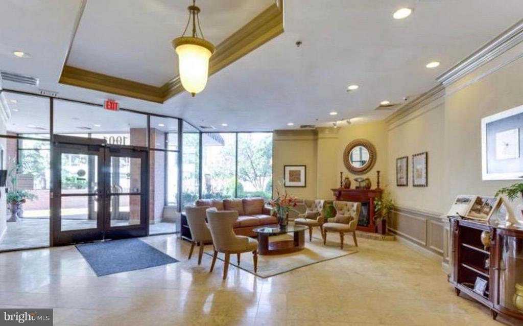 Spacious Lobby - 1001 N VERMONT ST #106, ARLINGTON