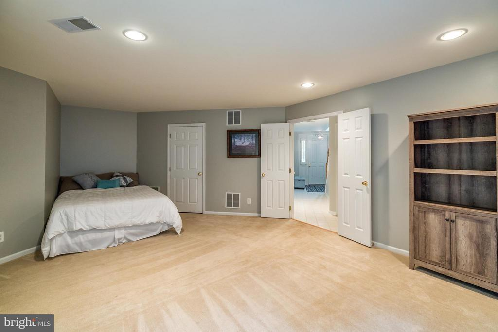 Rec Room with Recessed Lighting - 21436 FALLING ROCK TER, ASHBURN