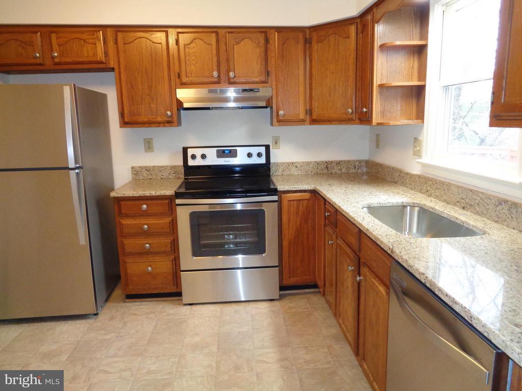 Kitchen - 6821 REDGROUND RD, FREDERICKSBURG