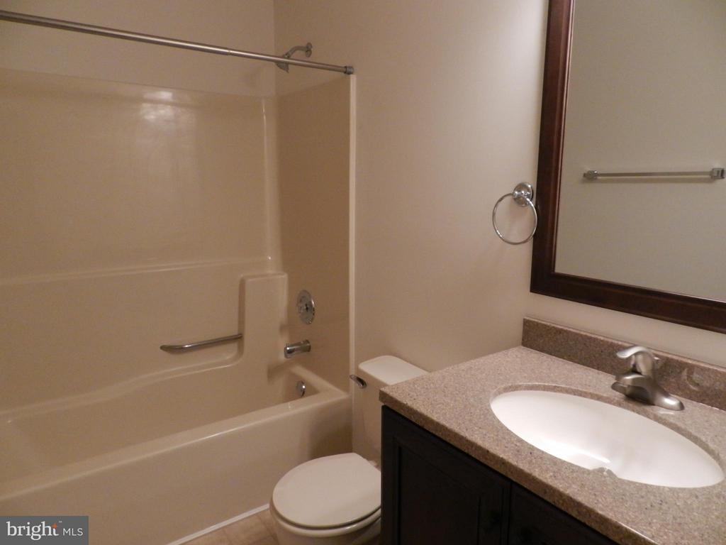 Bath - 6821 REDGROUND RD, FREDERICKSBURG