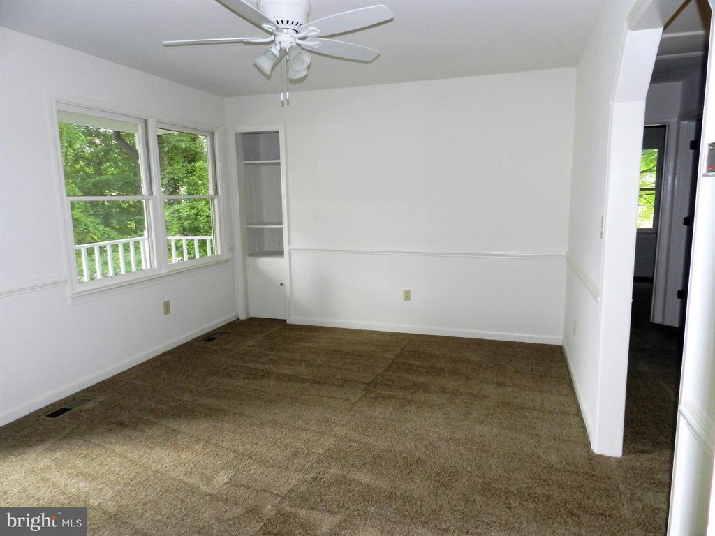 Living Room - 6821 REDGROUND RD, FREDERICKSBURG
