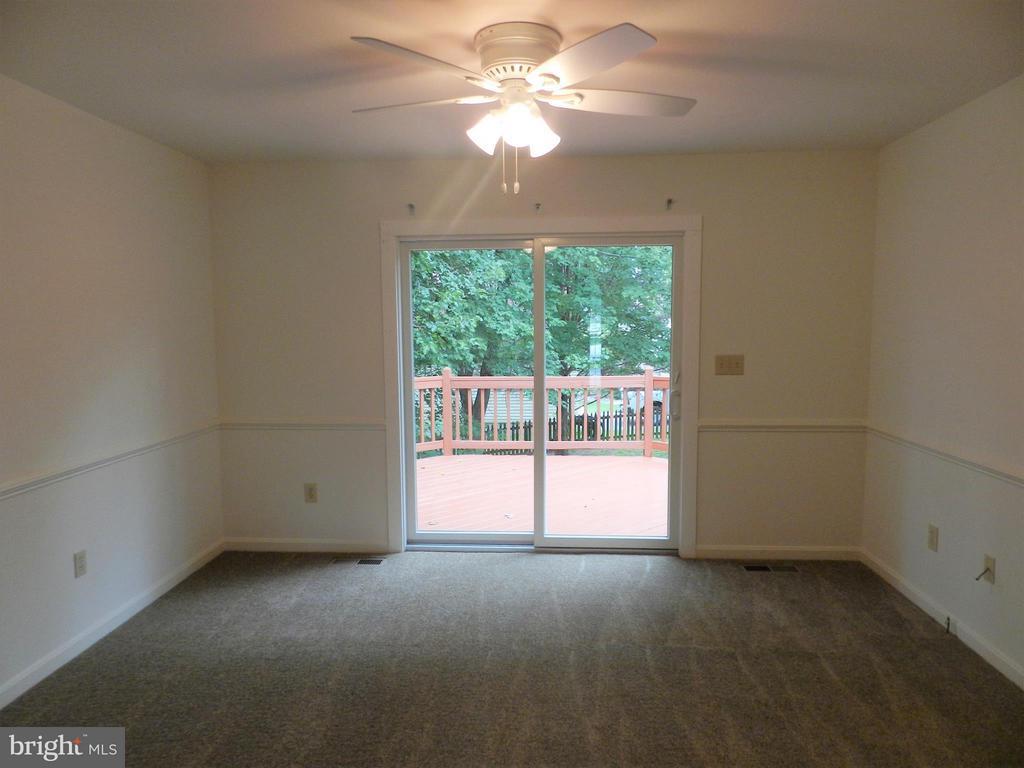 Family Room - 6821 REDGROUND RD, FREDERICKSBURG