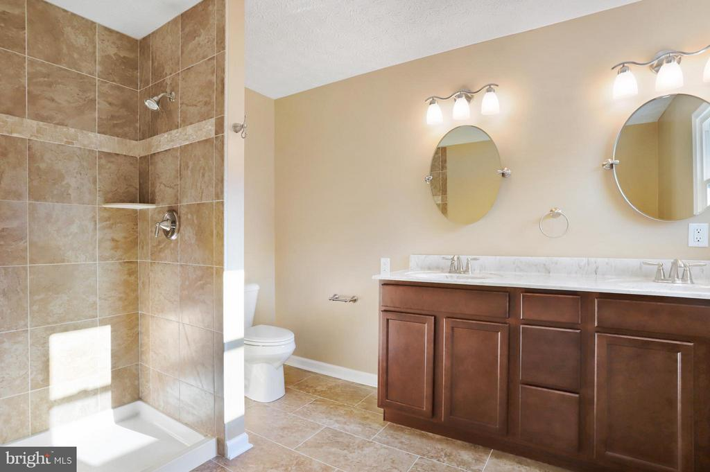 Bath - 5624 ARDEN NOLLVILLE RD, MARTINSBURG