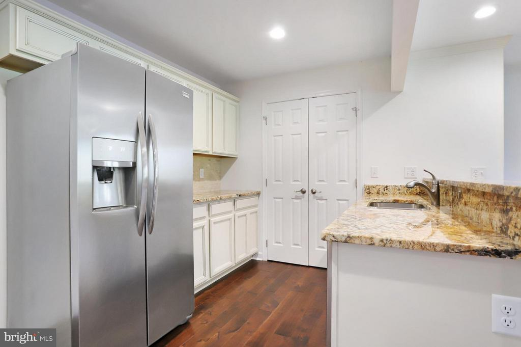 Family Room Kitchen - 5624 ARDEN NOLLVILLE RD, MARTINSBURG