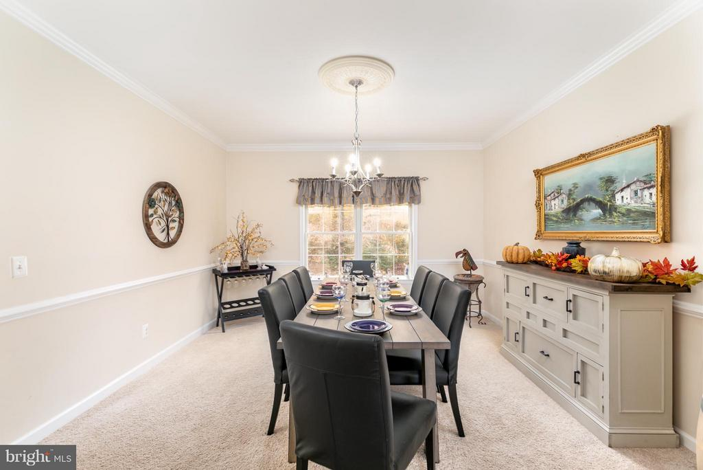 Lovely space for entertaining guests - 2430 SOMERSET DR, JEFFERSONTON