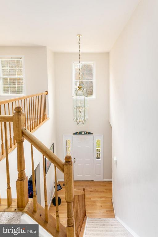 Bright 2-story foyer - 2430 SOMERSET DR, JEFFERSONTON
