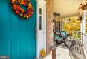 Look at this charming front porch - 2430 SOMERSET DR, JEFFERSONTON