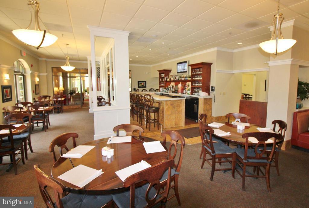 Onsite restaurant & bar, full menu - 19370 MAGNOLIA GROVE SQ #108, LEESBURG