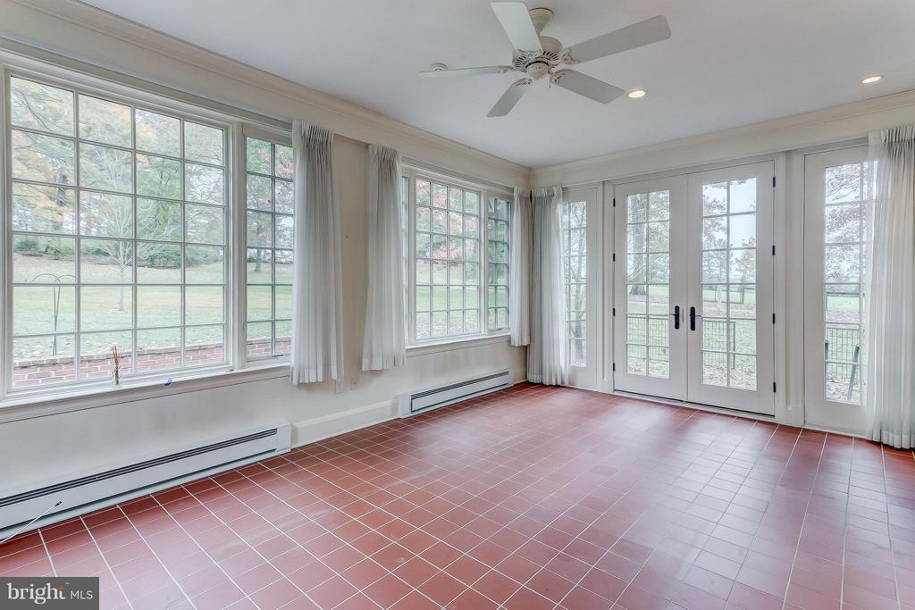 Sunroom - 918 GREENSPRING VALLEY RD, BROOKLANDVILLE