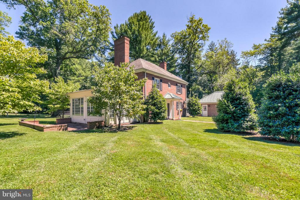 Guest House & Garage - 918 GREENSPRING VALLEY RD, BROOKLANDVILLE