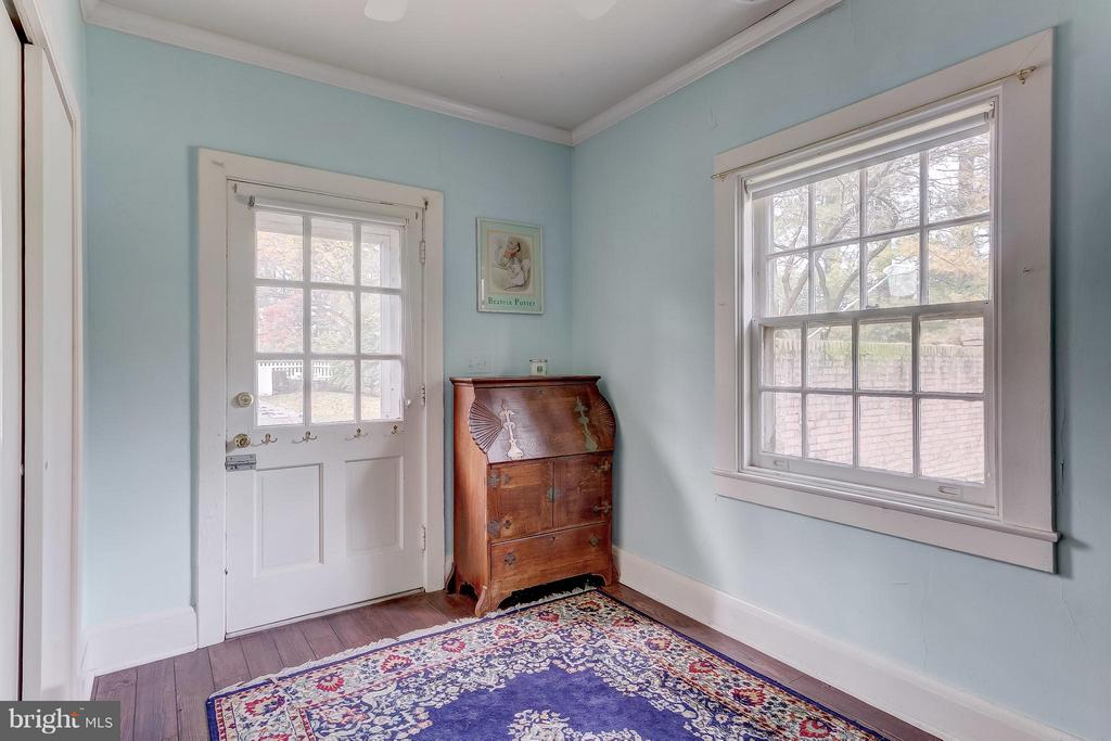 Carriage House Apartment Bedroom - 918 GREENSPRING VALLEY RD, BROOKLANDVILLE