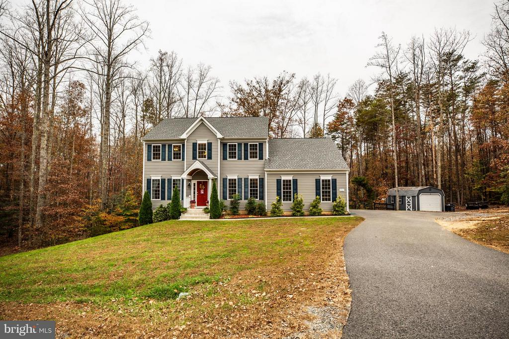 You will love this property on over 5 acres - 2521 REGENCY DR, FREDERICKSBURG