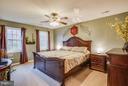 Spacious master bedroom - 2521 REGENCY DR, FREDERICKSBURG