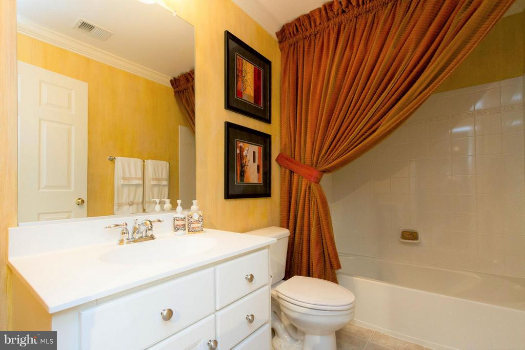 And a full bath on this level makes it guest-ready - 18332 BUCCANEER TER, LEESBURG