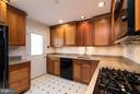 Kitchen - 9647 LINDENBROOK ST, FAIRFAX