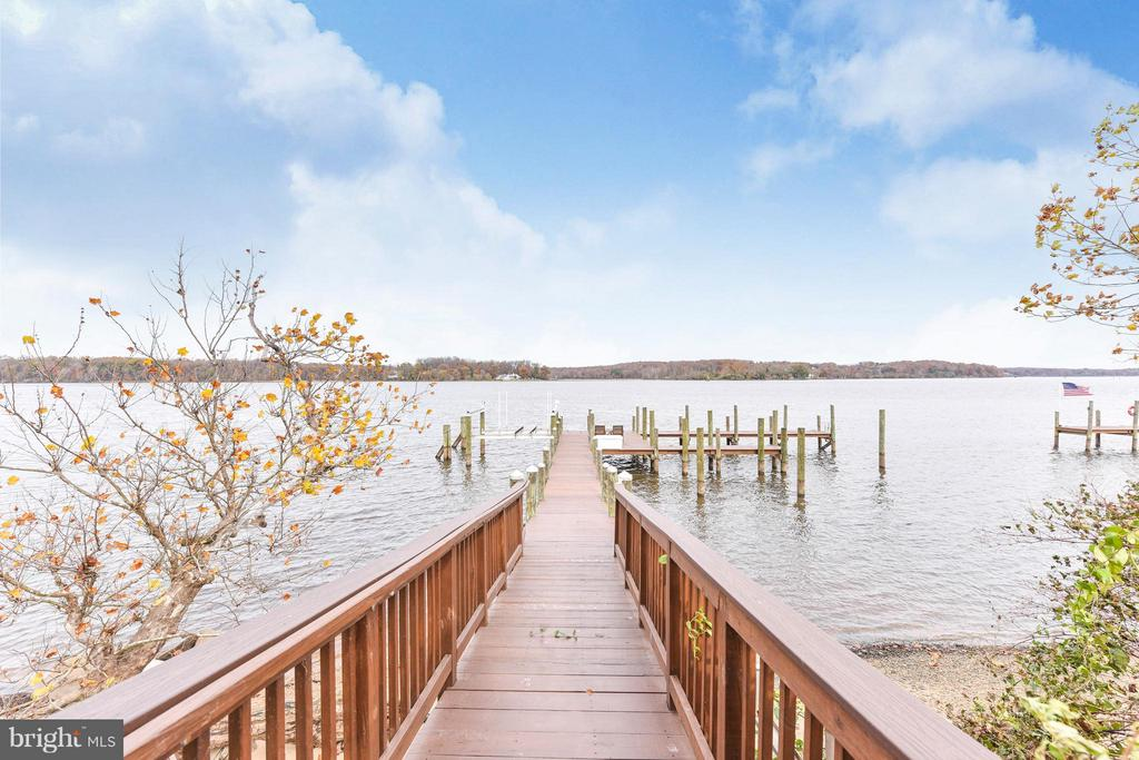 Let's head out for some fun on  Belmont Bay! - 472 BELMONT BAY DR, WOODBRIDGE