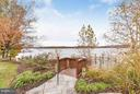 Private dock with many seating areas & sun deck - 472 BELMONT BAY DR, WOODBRIDGE