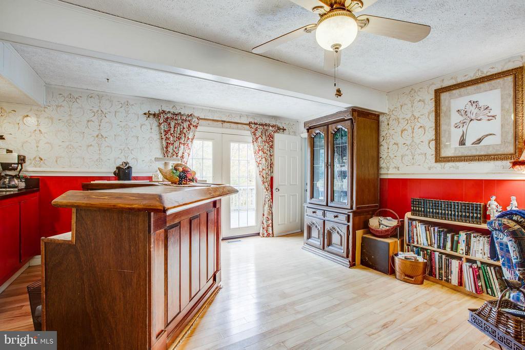 Family Room - 20 BOB WHITE LN, STAFFORD