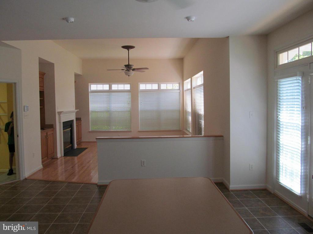 Eat in Kitchen to Family Room - 5829 DREXAL AVE, NEW MARKET