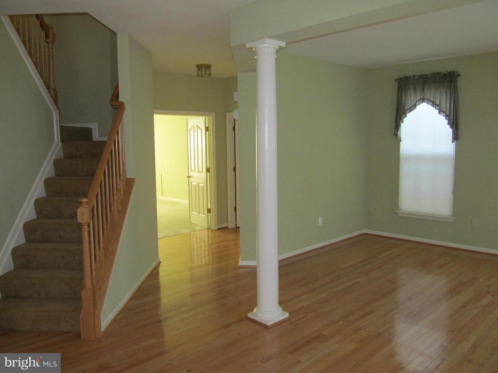 Living room - 5829 DREXAL AVE, NEW MARKET