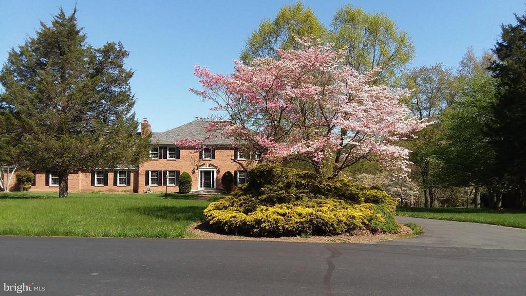 Front with circular driveway - 13110 CEDAR RIDGE DR, CLIFTON