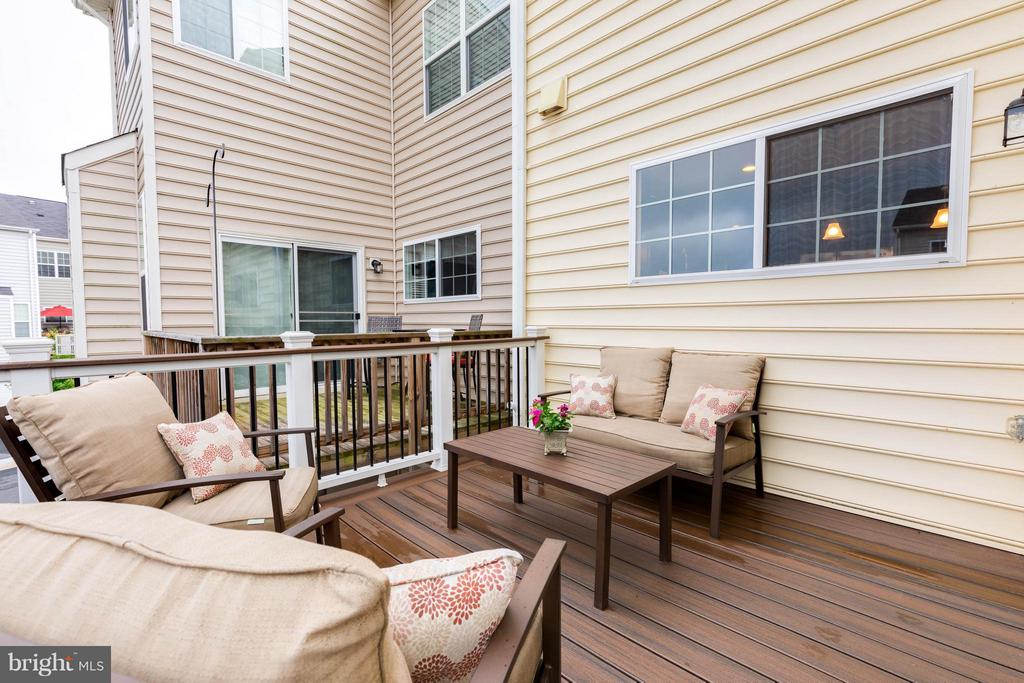 Spacious Wrap Around Deck - 1717 TAYMOUNT TER NE, LEESBURG