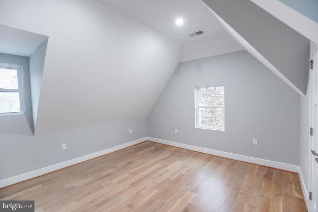 Bedroom #3 (3rd Level) - 1516 44TH ST NW, WASHINGTON