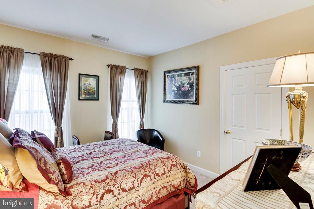 Bedroom 3 - 7202 GRAY HEIGHTS CT, ALEXANDRIA