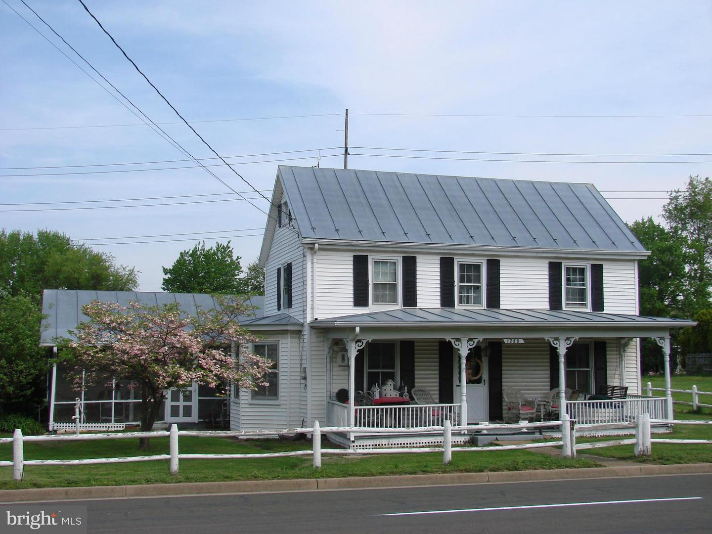 Photo of home for sale at 1233 Main Street, Luray VA