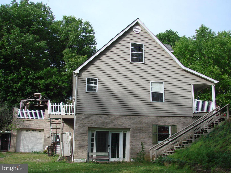 Photo of home for sale at 112 Zerkel Street, Luray VA