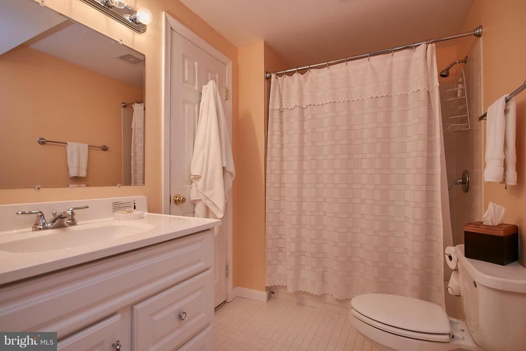 Full Bath on the Lower Level - 6515 MILLER DR, ALEXANDRIA
